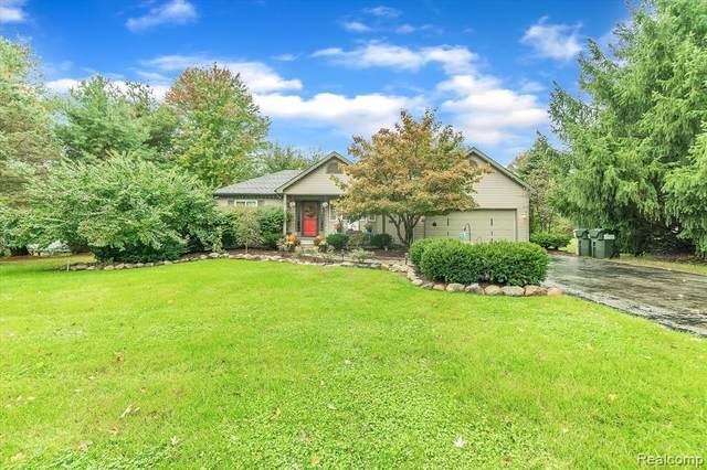 10912 Home Shore Dr, Pinckney, MI 48169 (MLS #2210086855) :: Kelder Real Estate Group
