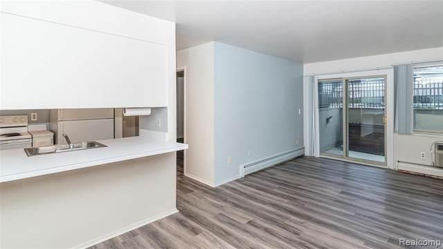 2319 Packard St Unit#105-Bldg#B, Ann Arbor, MI 48104 (MLS #2210087748) :: Kelder Real Estate Group