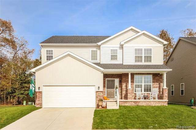 176 Sawgrass Dr, Howell, MI 48843 (MLS #2210087970) :: The BRAND Real Estate