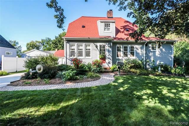 10910 Walker St, Grand Blanc, MI 48439 (MLS #2210088158) :: The BRAND Real Estate