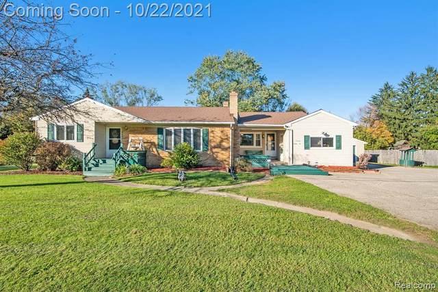 7096 W Carpenter Rd, Flushing, MI 48433 (MLS #2210086769) :: The BRAND Real Estate