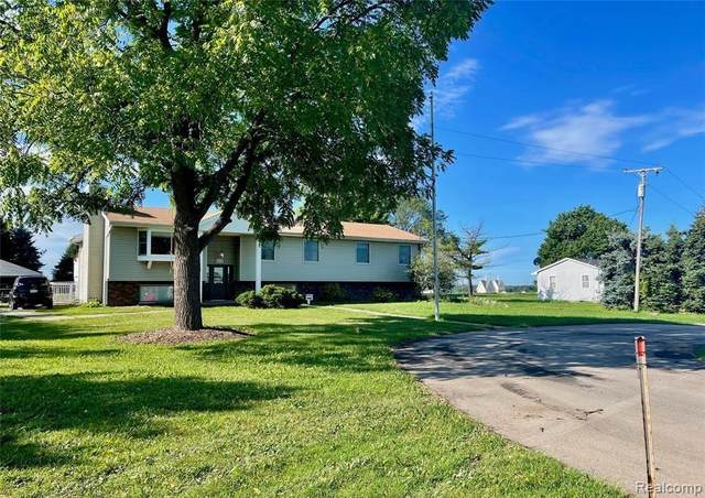 3965 Parsons Rd, Howell, MI 48855 (MLS #2210088245) :: The BRAND Real Estate