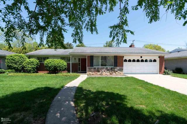 970 Canterbury Rd, Grosse Pointe Woods, MI 48236 (MLS #50013096) :: The Tom Lipinski Team at Keller Williams Lakeside Market Center