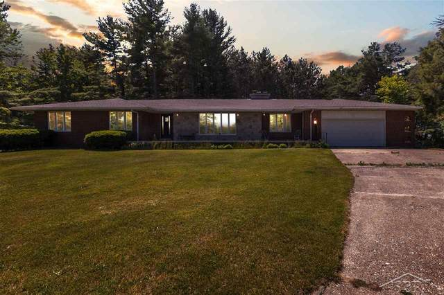 4589 N Huron Rd, Pinconning, MI 48650 (MLS #50016450) :: Scot Brothers Real Estate