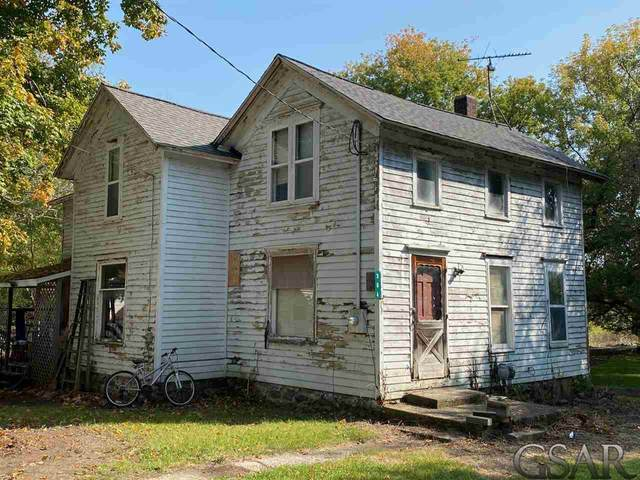 304 E Willow Street, Perry, MI 48872 (MLS #50024654) :: Scot Brothers Real Estate