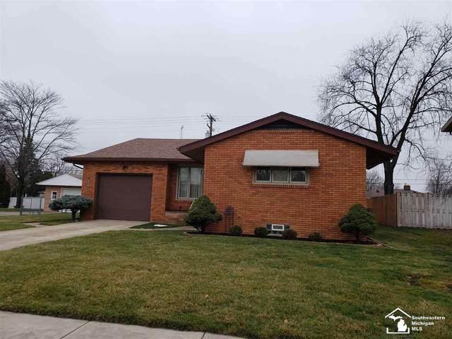 611 Maple Blvd, Monroe, MI 48162 (MLS #50032707) :: The BRAND Real Estate