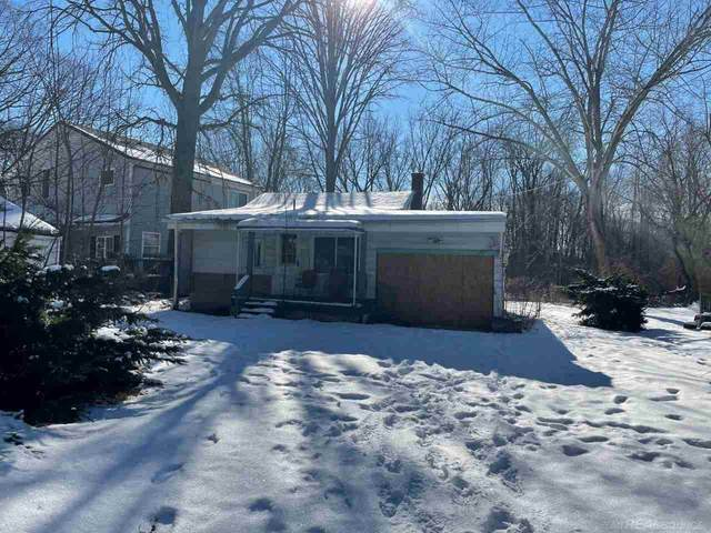 5047 Bryson, East China, MI 48054 (MLS #50035415) :: The BRAND Real Estate