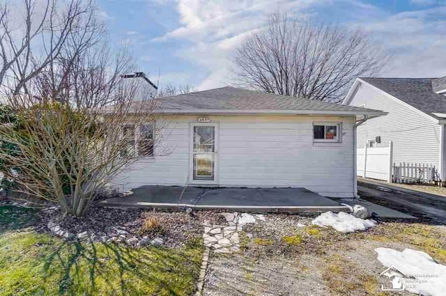3650 Fernwood Dr, Monroe, MI 48162 (MLS #50035441) :: The BRAND Real Estate