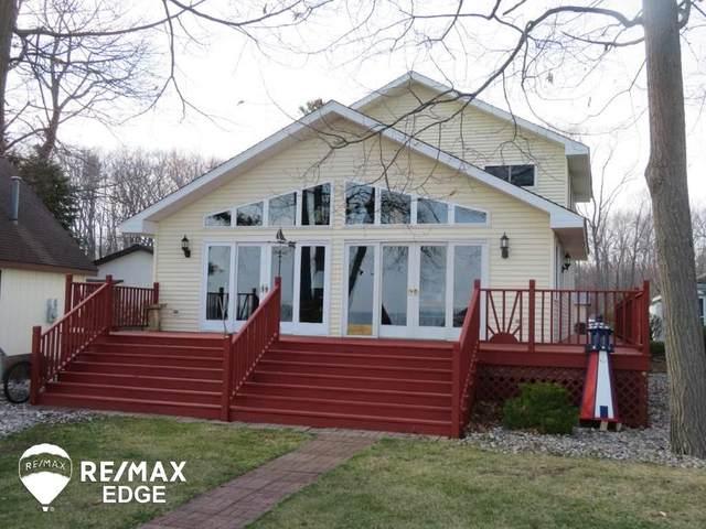 3866 E Michigan Ave, Au Gres, MI 48703 (MLS #50038354) :: The BRAND Real Estate