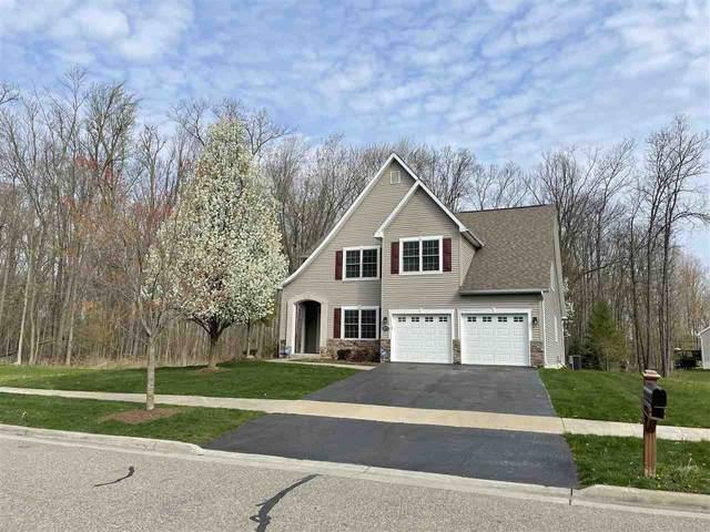 10278 Edgewood Dr., Grand Blanc, MI 48439 (MLS #50039482) :: The BRAND Real Estate