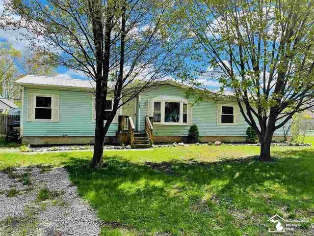 3157 Glendale, Monroe, MI 48162 (MLS #50041338) :: The BRAND Real Estate
