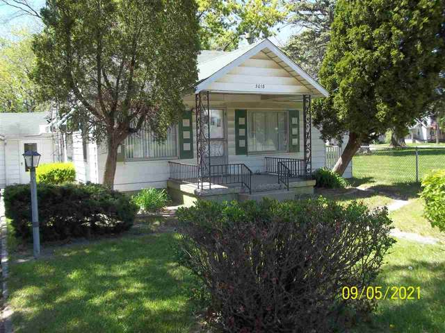 3018 S Center, Burton, MI 48519 (MLS #50041815) :: The BRAND Real Estate