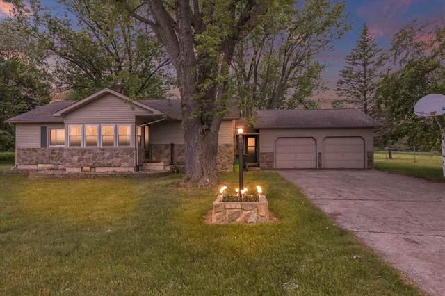3241 Seymour, Flushing, MI 48433 (MLS #50044392) :: The BRAND Real Estate