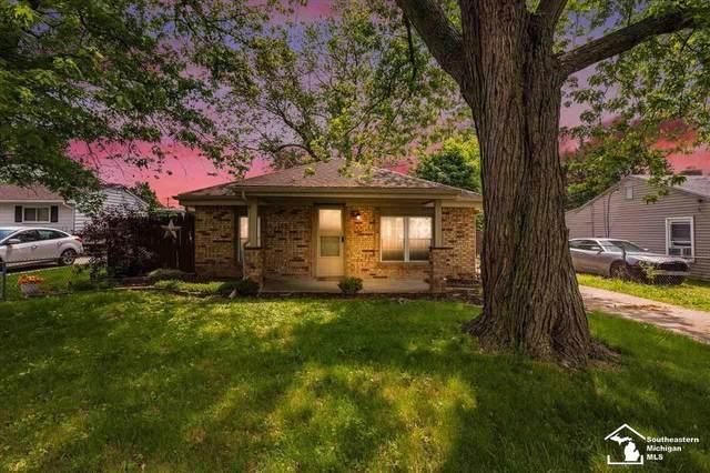 1107 Adams, Monroe, MI 48161 (MLS #50044452) :: The BRAND Real Estate