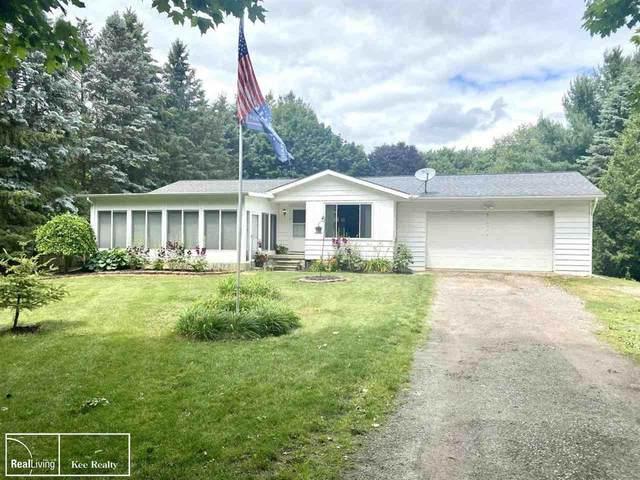 3126 Bronson Lake Rd, Lapeer, MI 48446 (MLS #50045990) :: Kelder Real Estate Group
