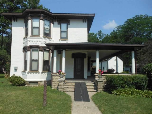 256 S Main St, Vassar, MI 48768 (MLS #50047346) :: Kelder Real Estate Group