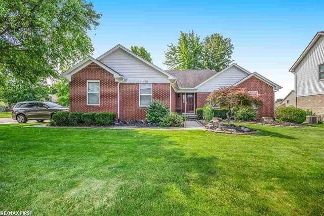 37228 Sienna Oaks Dr, New Baltimore, MI 48047 (MLS #50047383) :: Kelder Real Estate Group
