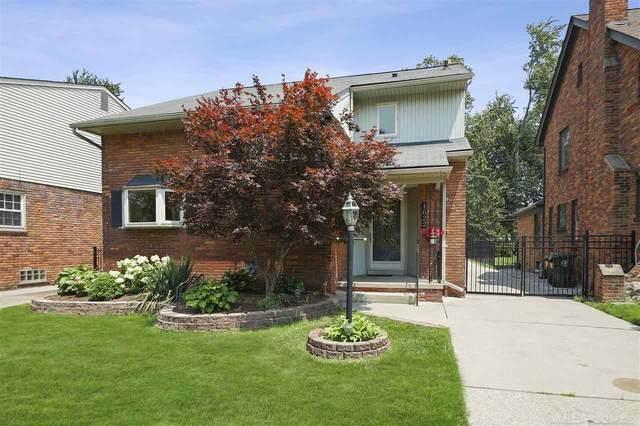 1622 Prestwick Rd, Grosse Pointe Woods, MI 48236 (MLS #50047451) :: Kelder Real Estate Group