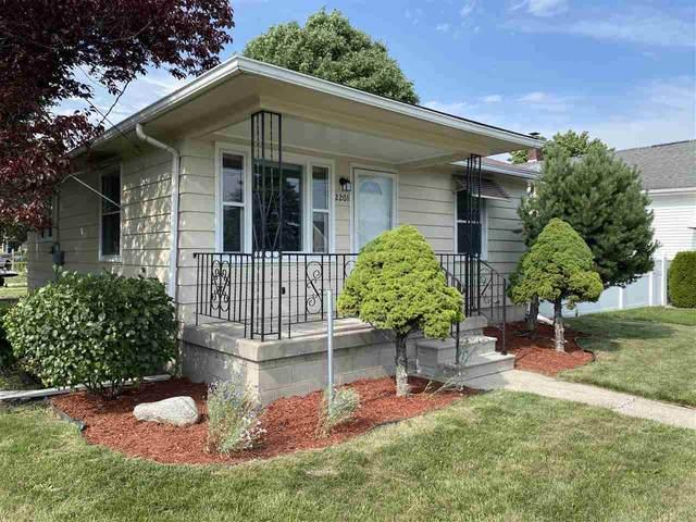 2201 22nd Street, Bay City, MI 48708 (MLS #50047743) :: Kelder Real Estate Group