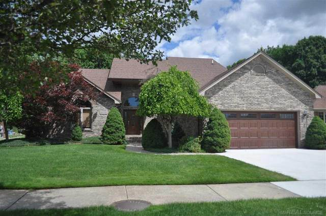 36193 Saint Clair Dr, New Baltimore, MI 48047 (MLS #50048023) :: Kelder Real Estate Group