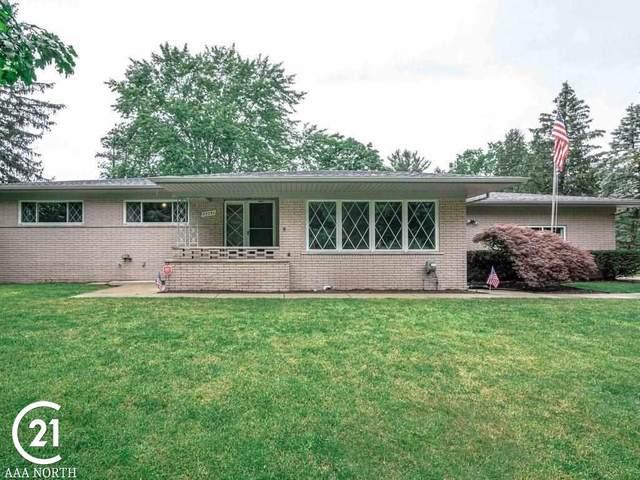 53251 Saturn, Shelby Twp, MI 48316 (MLS #50048069) :: Kelder Real Estate Group
