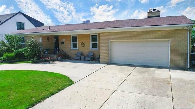 22598 Lange, Saint Clair Shores, MI 48080 (MLS #50048308) :: Kelder Real Estate Group