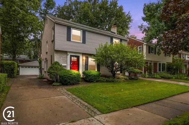 1739 Newcastle Rd, Grosse Pointe Woods, MI 48236 (MLS #50048609) :: Kelder Real Estate Group