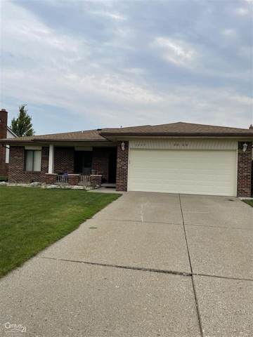 3825 Burr, Sterling Heights, MI 48310 (MLS #50049769) :: Kelder Real Estate Group