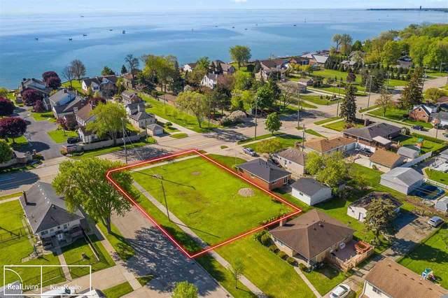 33331 Jefferson, Saint Clair Shores, MI 48082 (MLS #50050170) :: The BRAND Real Estate