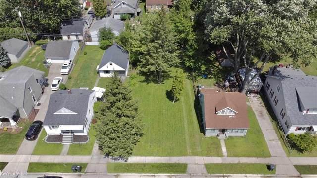 21927 Lakeview Street, Saint Clair Shores, MI 48080 (MLS #50051688) :: The BRAND Real Estate