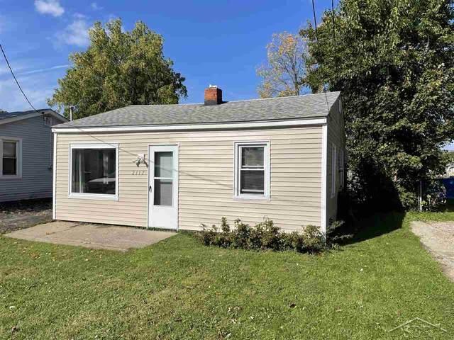 2117 E Buder Ave, Burton, MI 48529 (MLS #50058151) :: The BRAND Real Estate