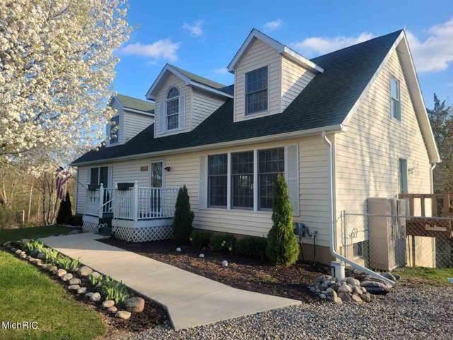 11341 Greenlawn Drive, Jerome, MI 49249 (MLS #21012810) :: The BRAND Real Estate