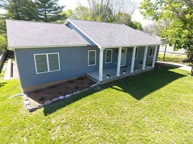 352 Hillsdale Street, Hillsdale, MI 49242 (MLS #21017361) :: The BRAND Real Estate