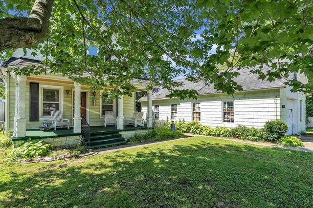 5613 Oak Street, Onondaga, MI 49264 (MLS #21111958) :: Kelder Real Estate Group