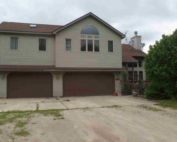 10496 Lovejoy Rd, Linden, MI 48451 (MLS #30067602) :: The John Wentworth Group