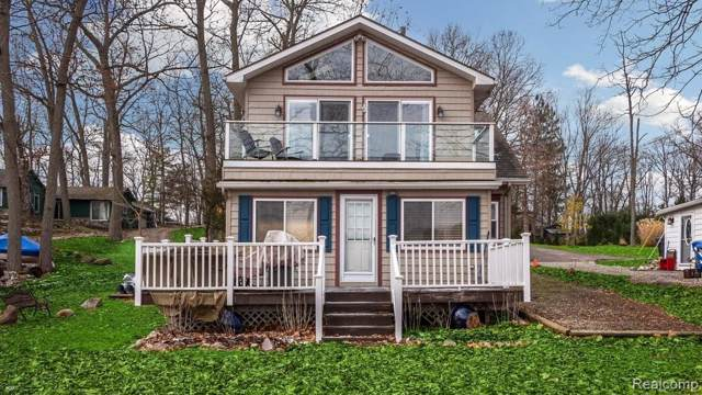 2062 Webster Park Rd, Howell, MI 48843 (MLS #2200003179) :: The John Wentworth Group