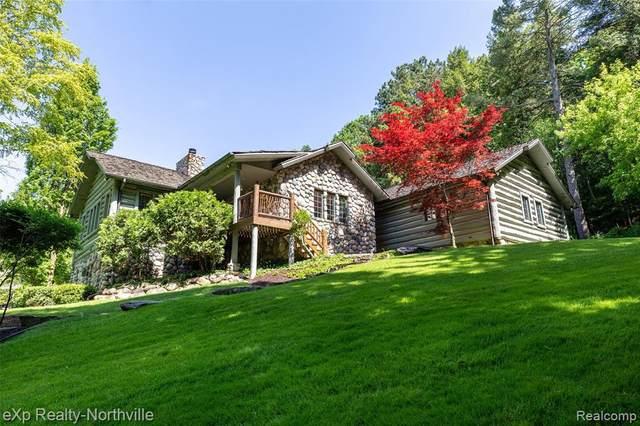 538 Randolph St, Northville, MI 48167 (MLS #2200008027) :: The BRAND Real Estate