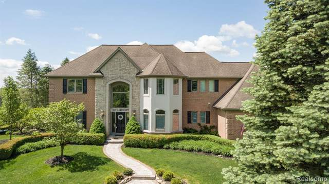 9147 Lakebluff Dr, Clarkston, MI 48348 (MLS #2200038030) :: The Tom Lipinski Team at Keller Williams Lakeside Market Center