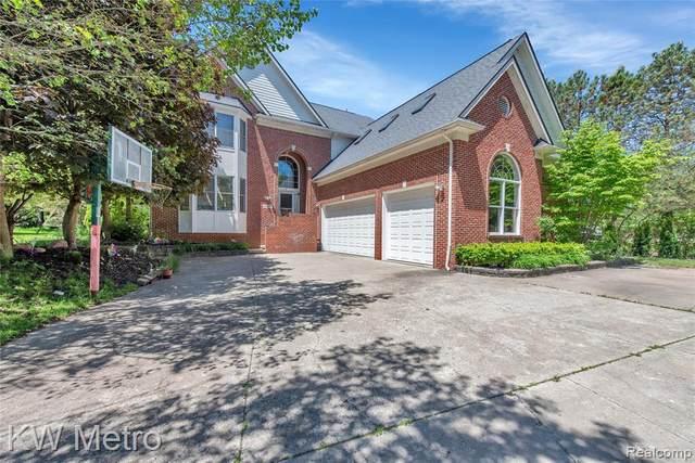 2104 Timberridge Crt, West Bloomfield, MI 48324 (MLS #2200039649) :: Kelder Real Estate Group