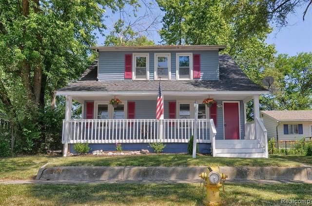 1481 Connell St, Burton, MI 48529 (MLS #2200048572) :: Scot Brothers Real Estate