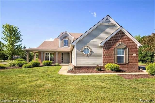 5945 Oak Bend Ct., Howell, MI 48843 (MLS #2200050233) :: Scot Brothers Real Estate