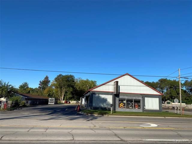 G3360 S Dort Hiwy, Burton, MI 48529 (MLS #2200081514) :: Scot Brothers Real Estate