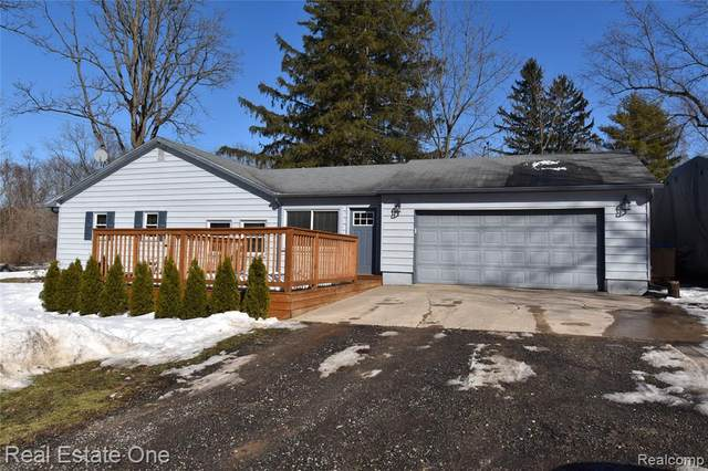 4195 Demode Rd, Holly, MI 48442 (MLS #2210012266) :: The BRAND Real Estate