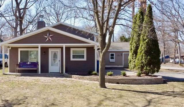 1707 Maxfield Rd, Hartland, MI 48343 (MLS #3279446) :: The BRAND Real Estate