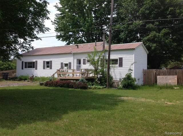 2693 Imlay City Road, Lapeer, MI 48446 (MLS #2210018628) :: The BRAND Real Estate