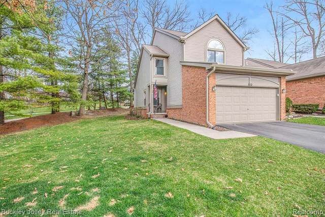 812 Maplewood Crt Unit#107-Bldg#1, Brighton, MI 48116 (MLS #2210023915) :: The BRAND Real Estate