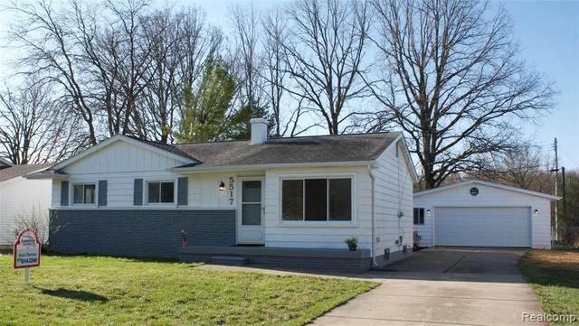 5517 Westchester Dr, Flint, MI 48532 (MLS #2210024156) :: The BRAND Real Estate