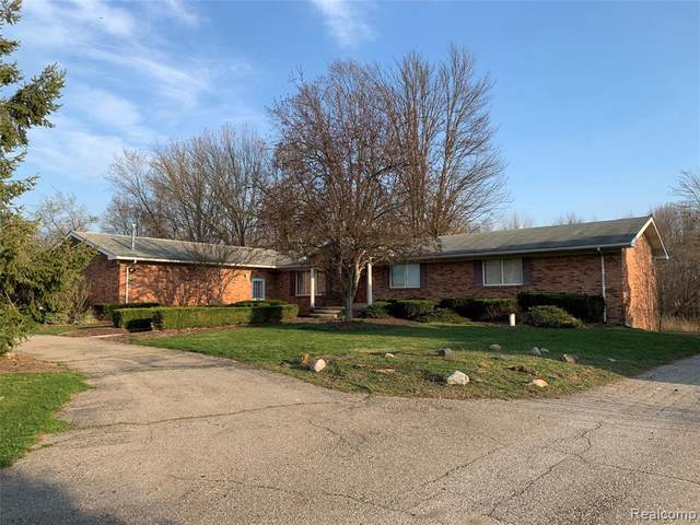55801 11 MILE RD, New Hudson, MI 48165 (MLS #2210024606) :: The BRAND Real Estate