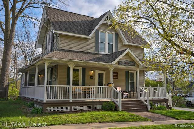 105 Mary St, Flushing, MI 48433 (MLS #2210025720) :: The BRAND Real Estate