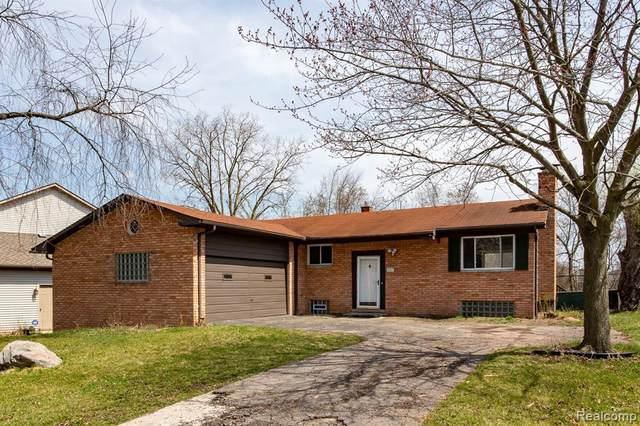 881 Southampton # St, Auburn Hills, MI 48326 (MLS #2210026282) :: The BRAND Real Estate